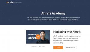 Ahrefs Academy posiada wiele przydatnych kursów online marketingu.