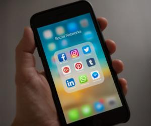 socialmedia-smartfon